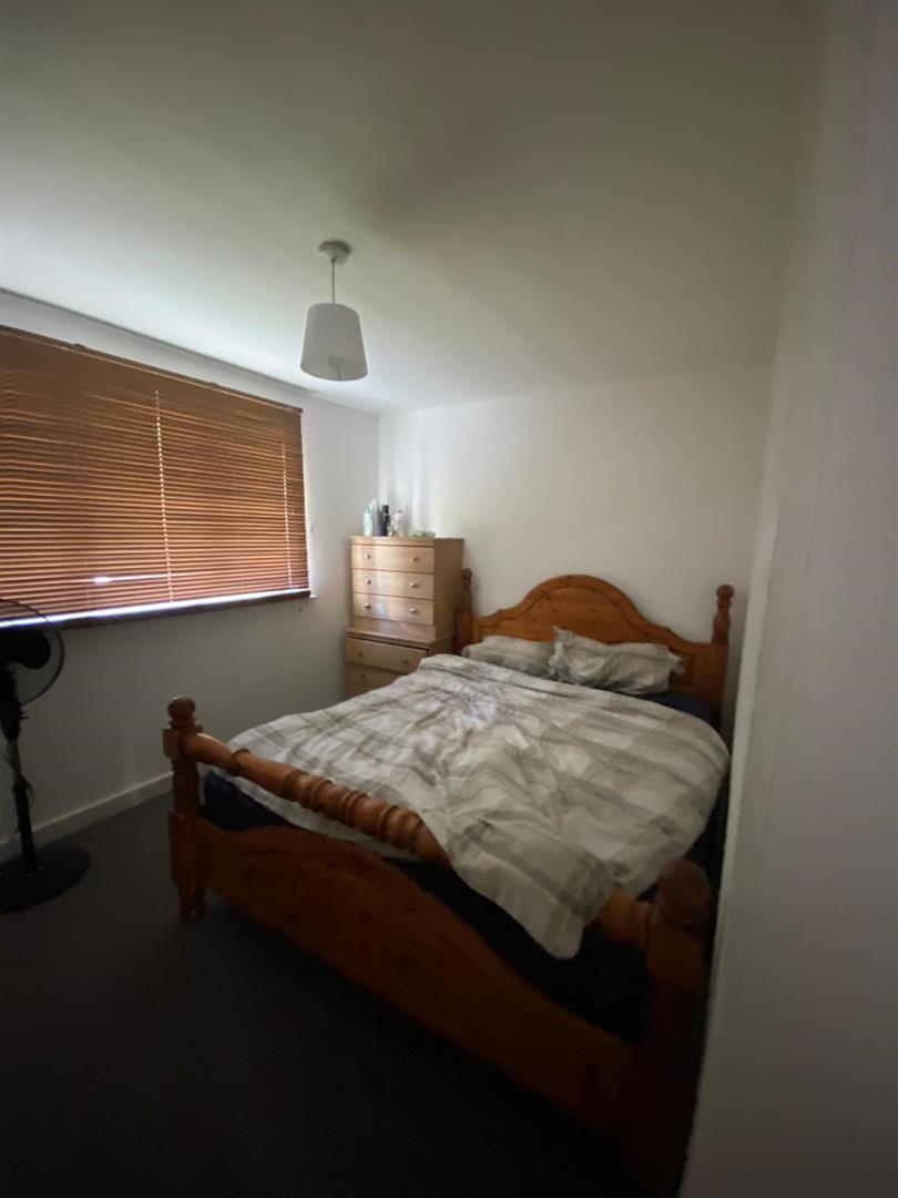 2 Bedroom Block Of Flats For Sale - 19.jpg